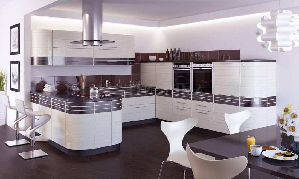 Интерьер кухни с комбинированными фасадами