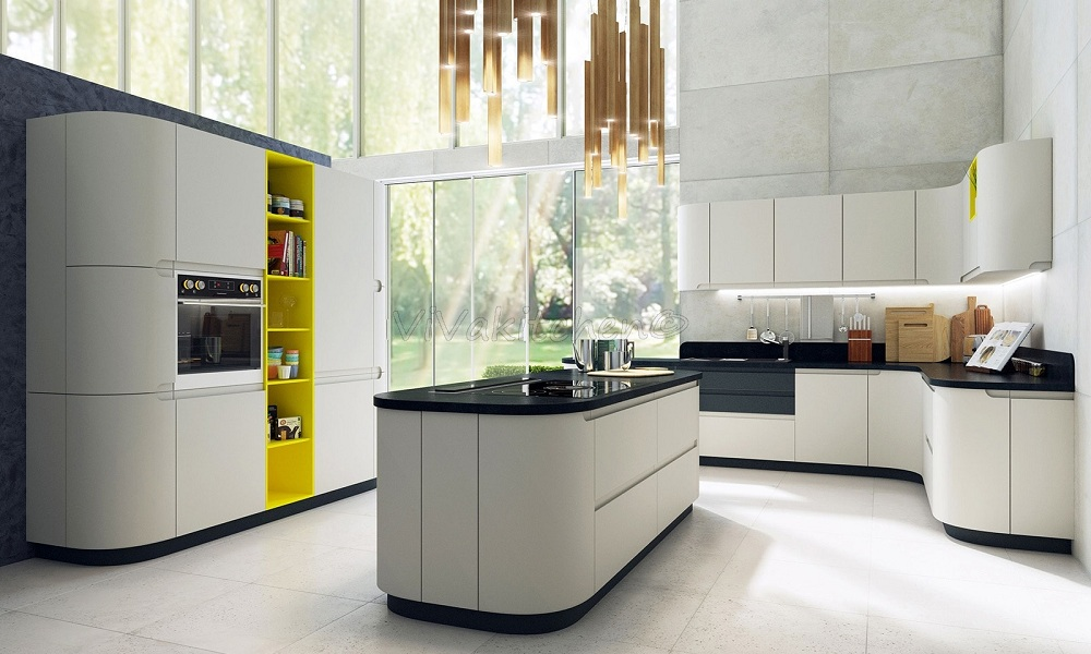 Кухня с крашенными матовыми фасадами