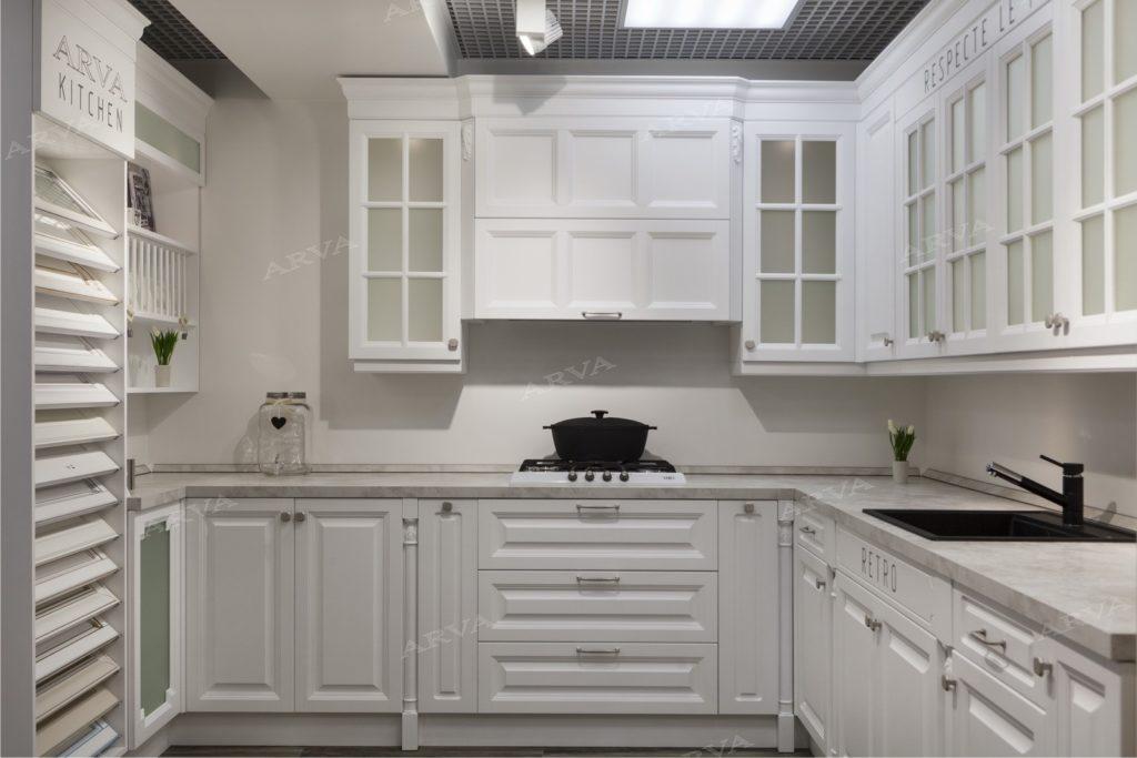 фото кухни в белом цвете в стиле прованс
