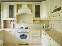Классическая бежевая кухня с патиной ARVA