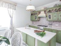 Зеленая кухня классика